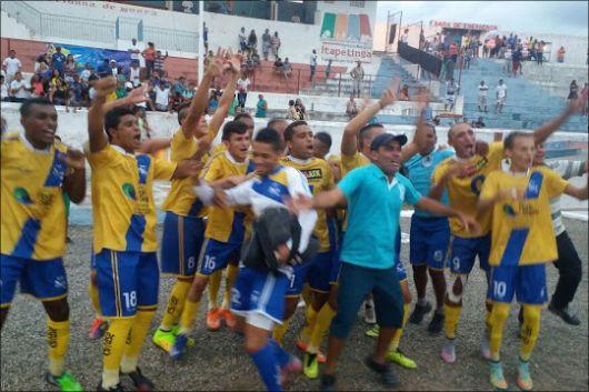 Baianão sagra-se campeã da Copa do Descobrimento vencendo Itapetinga 1