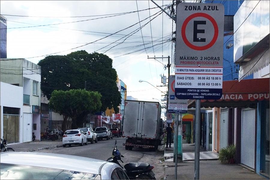 Proprietários de veículos postam vídeos denunciando a cobrança abusiva por parte da Zona Azul na cidade de Eunápolis 2