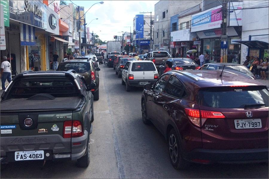 Proprietários de veículos postam vídeos denunciando a cobrança abusiva por parte da Zona Azul na cidade de Eunápolis 3